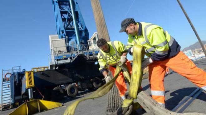 lavoratori porto