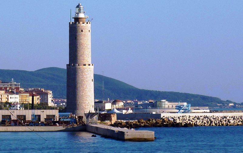 Dighe accesso e dighe foranee porto Livorno