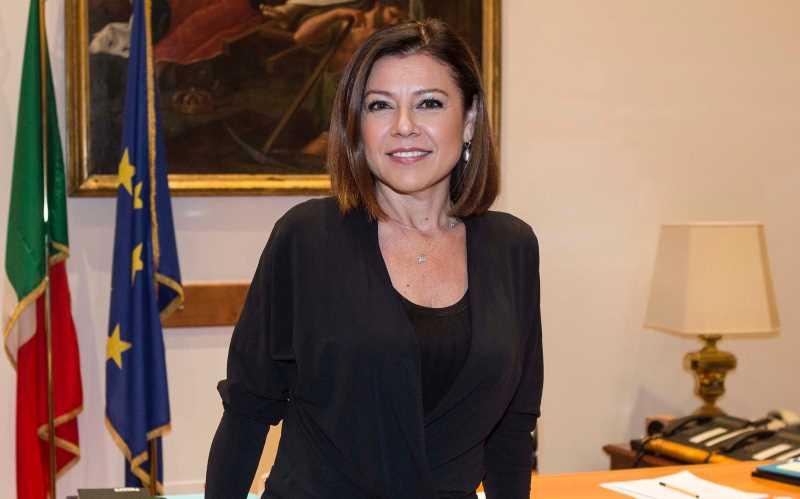 Paola DeMicheli